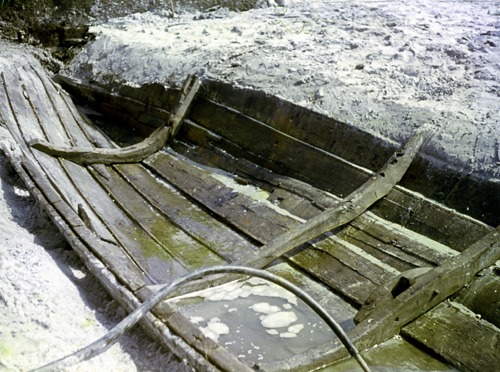 Bild 13. Reste eines wikingerzeitlichen  Bootes. Aufnahme 1970
