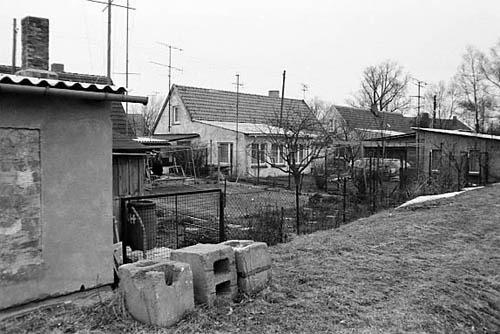 Bild 6. Lehmbauten der Marine. Winter 1981