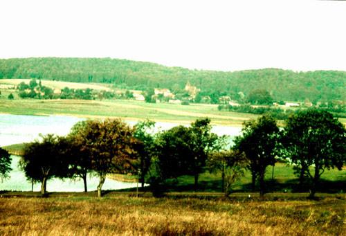 Bild-9.-Blick-über-den-Neuensiener-See-auf-das-Dorf.-1965