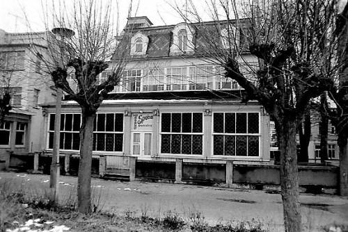 Haus Rheingold. Zu dieser Zeit eine HO-Gaststätte 1984.