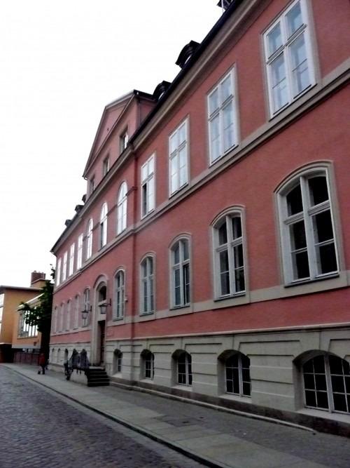 Stralsund, Badenstr. 17. Der 1726 bis 1730 erbaute Sitz des schwedischen Generalgouverneurs. Hier erfolgte 1815 die Übergabe Schwedisch Vorpommerns an Preußen.