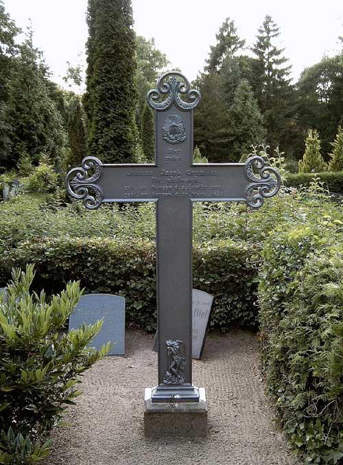 Alter Friedhof Bergen, Grabstätte Johann Jacob Grümbke 2008