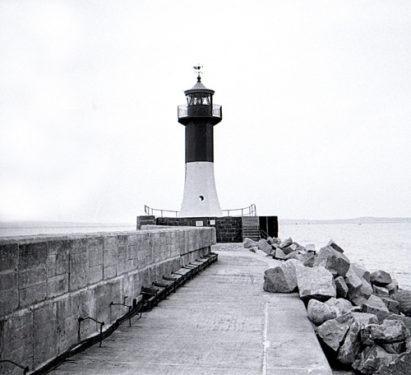 Bild-11.-Saßnitz.-Hafenblick-Ostmole-und-Leuchtturm.-1958