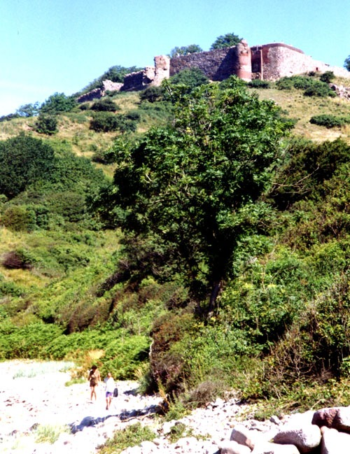 Bild 8. Bornholm. Blick auf die alte Festung Hammershus. 1991.