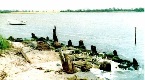 Bld 14. Die Reste des Bollwerkes von Kleinhagen. 2005