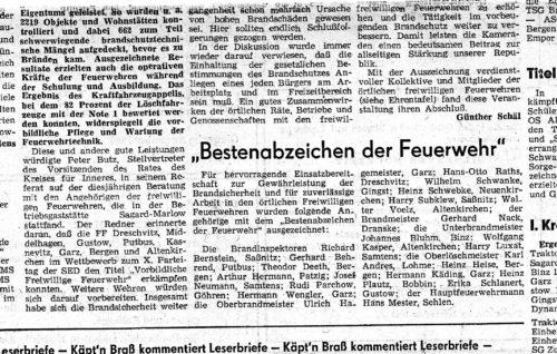 Abb. 6 Der damalige Stellvertreter des Vorsitzenden des Rates des Kreises Peter Butz zeichnete 1980 die Gustower Feuerwehr, und besonders Erika Schlanert aus Gustow, aus (Ostsee-Zeitung v. 10. 12. 1980)