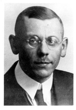 Abb. 12.  Wilhelm Petzsch.